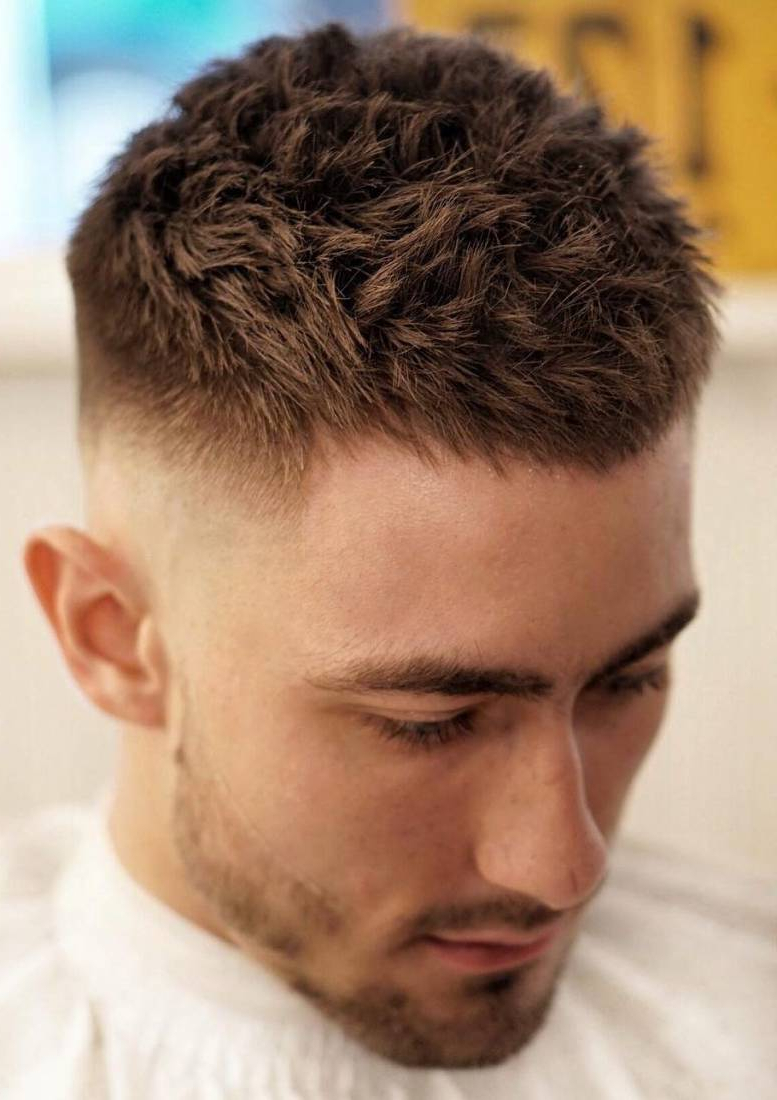 45 Stylish & Simple Short Hairstyles For Men Within Short Hairstyles For Small Faces (View 7 of 25)