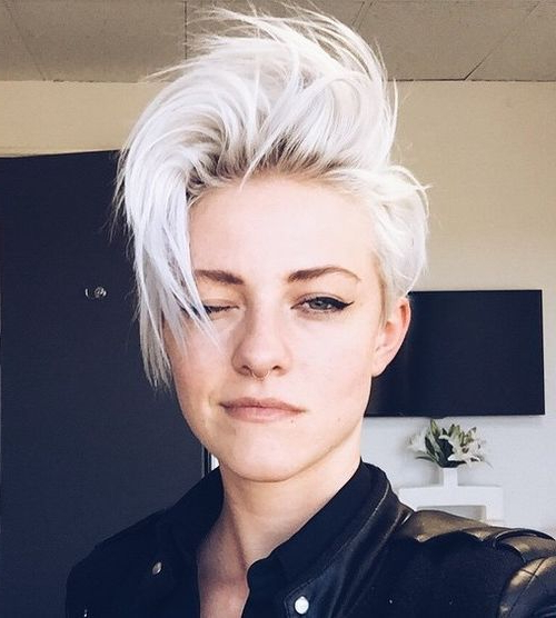 47 Amazing Pixie Bob You Can Try Out This Summer! With Regard To Long Disheveled Pixie Haircuts With Balayage Highlights (View 15 of 25)
