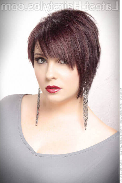 47 Popular Short Choppy Hairstyles For 2018 Throughout Sexy Pixie Hairstyles With Rocker Texture (View 9 of 25)