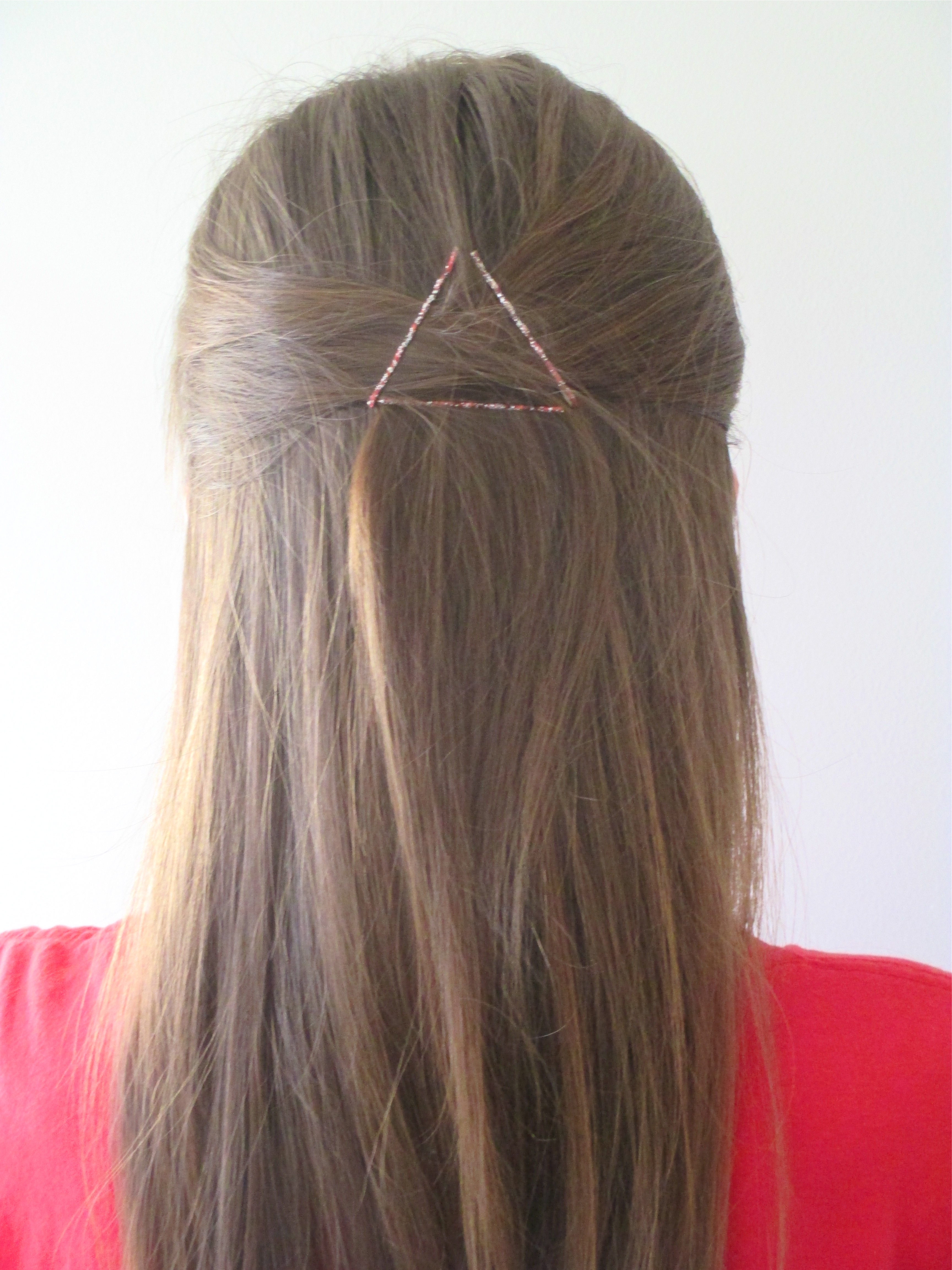 5 Cute And Easy Bobby Pin Hairstyles Using Fewer Than 5 Bobby Pins For One Sided Short Hairstyles (View 21 of 25)