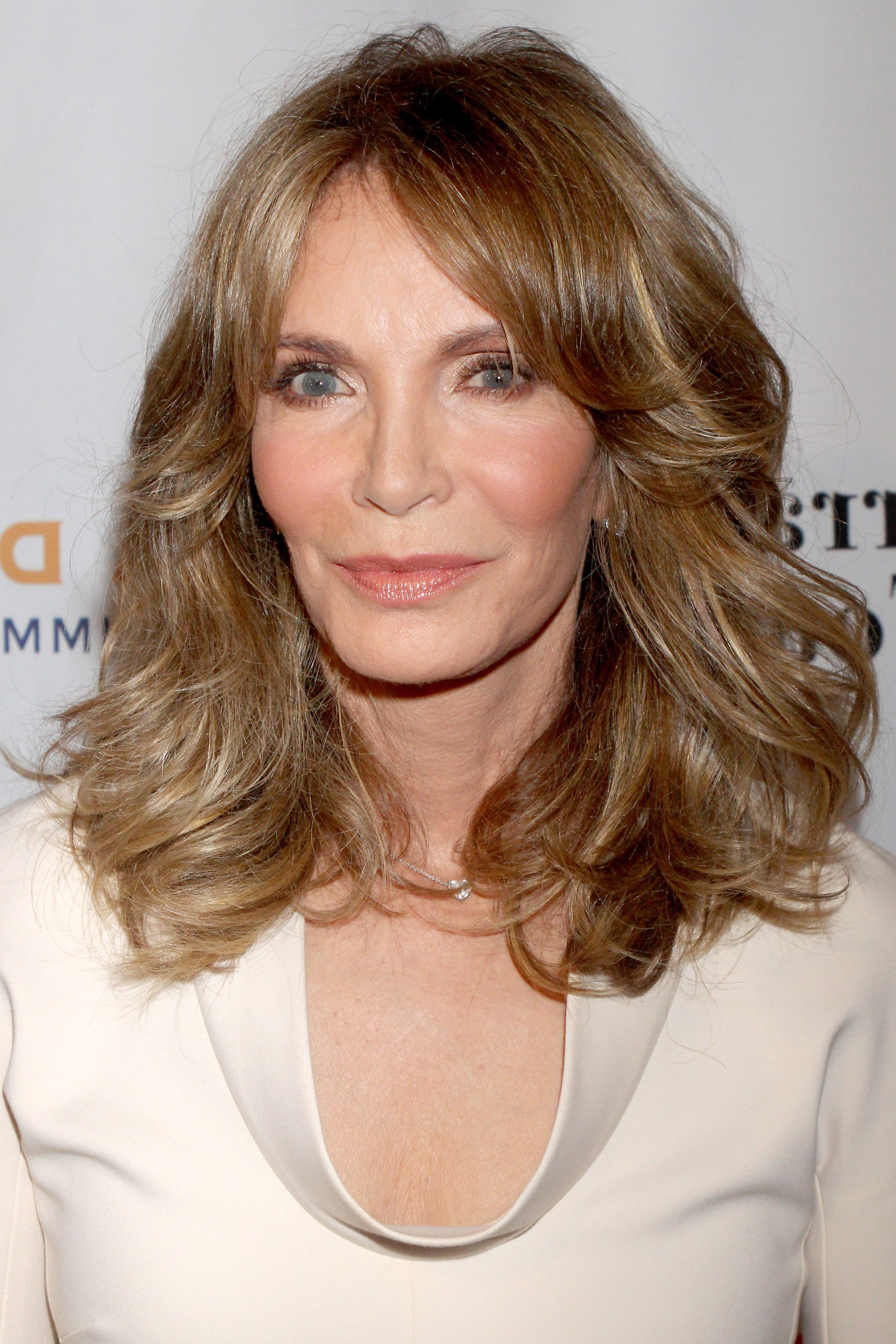 50 Best Hairstyles For Women Over 50 – Celebrity Haircuts Over 50 With Regard To Short Hair For Over 50S (View 19 of 25)