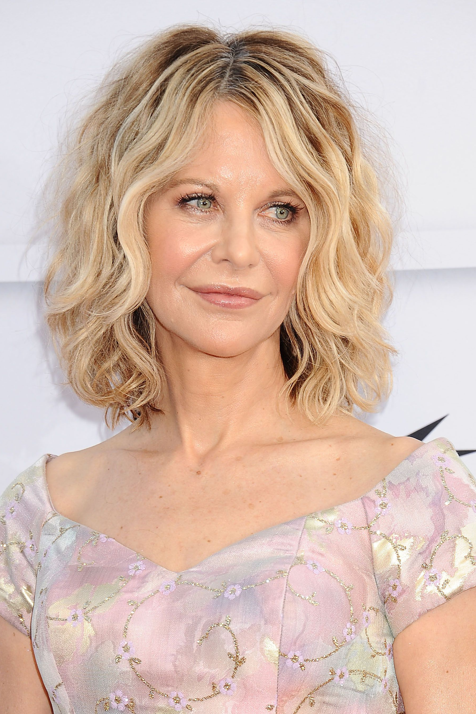 50 Best Hairstyles For Women Over 50 – Celebrity Haircuts Over 50 With Regard To Short Layered Hairstyles For Fine Hair Over  (View 19 of 25)