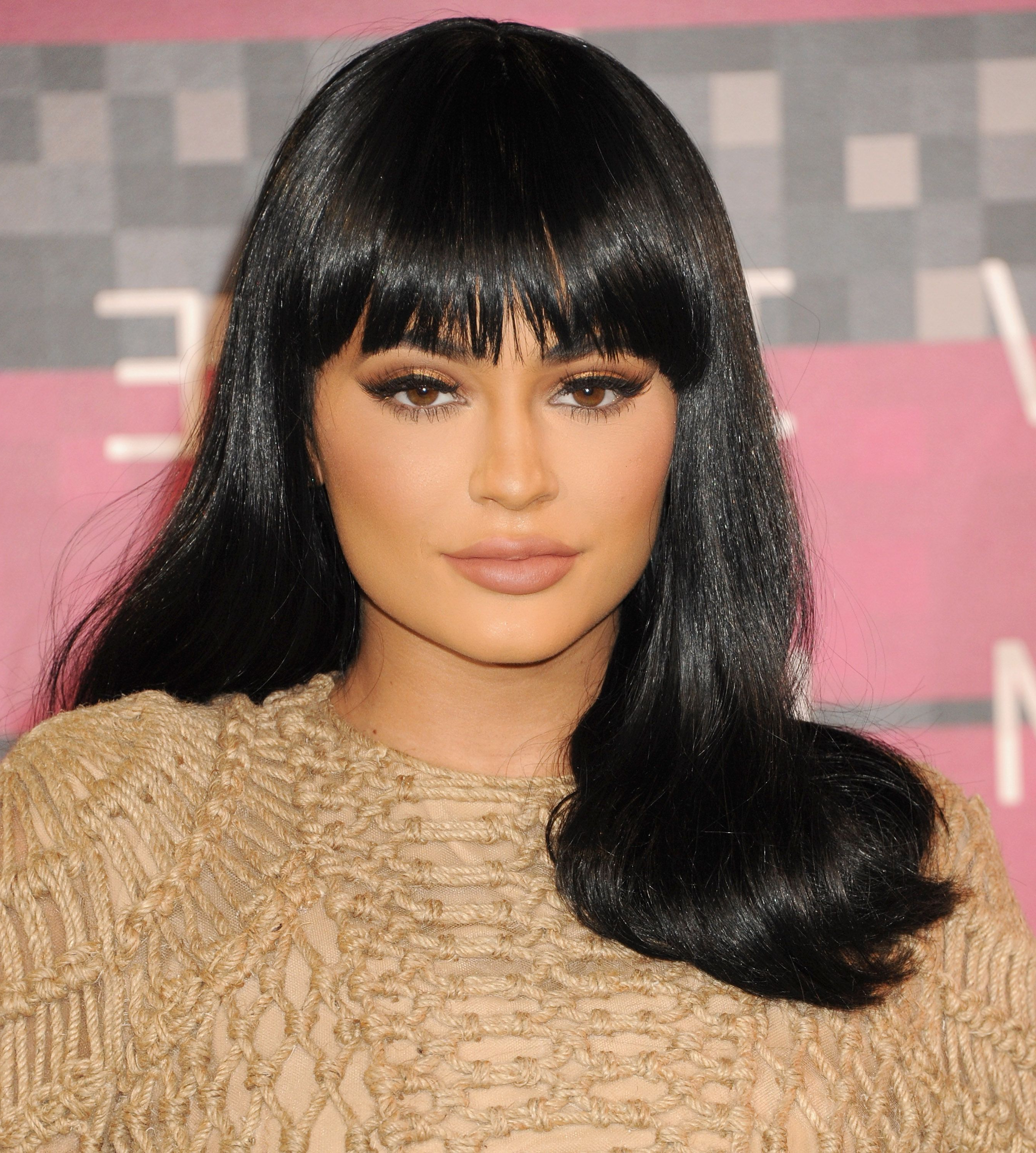 50 Best Kylie Jenner Hair Looks – The Best Hairstyles Of Kylie Jenner Throughout Kylie Jenner Short Haircuts (View 2 of 25)
