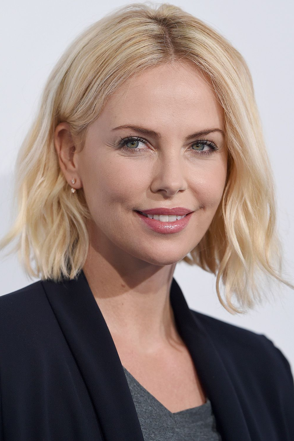 50+ Cute Bob And Lob Haircuts 2018 – Best Celebrity Long Bob Hairstyles Pertaining To Short Hairstyles For High Forehead (View 25 of 25)