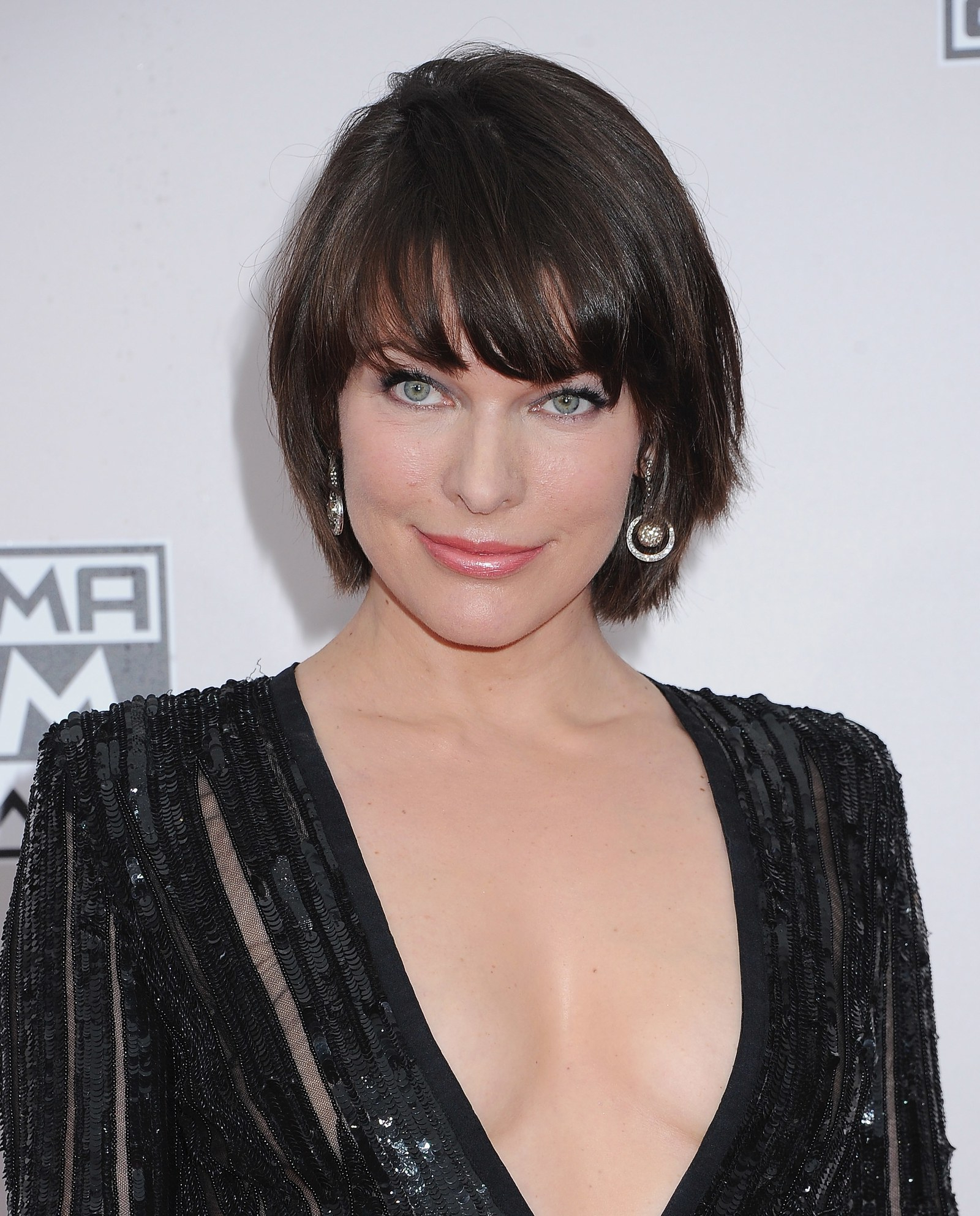 50 Cute Short Hairstyle And Haircut Ideas Worth Chopping Your Hair Regarding Face Framing Short Hairstyles (View 20 of 25)