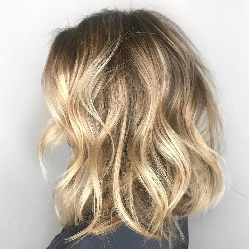 50 Gorgeous Wavy Bob Hairstyles With An Extra Touch Of Femininity In For Tousled Wavy Blonde Bob Hairstyles (View 2 of 25)