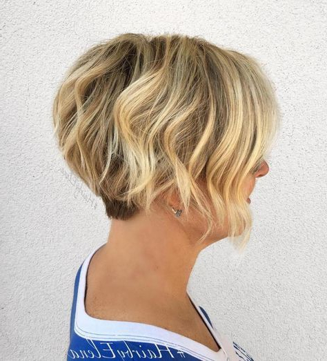 50 Gorgeous Wavy Bob Hairstyles With An Extra Touch Of Femininity With Regard To Short Wavy Blonde Balayage Bob Hairstyles (View 6 of 25)