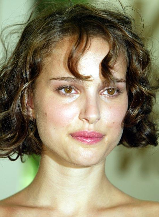 50 Messy Short Bob Hairstyle To Make You Look Uber Chic Within Jaw Length Wavy Blonde Bob Hairstyles (View 16 of 25)