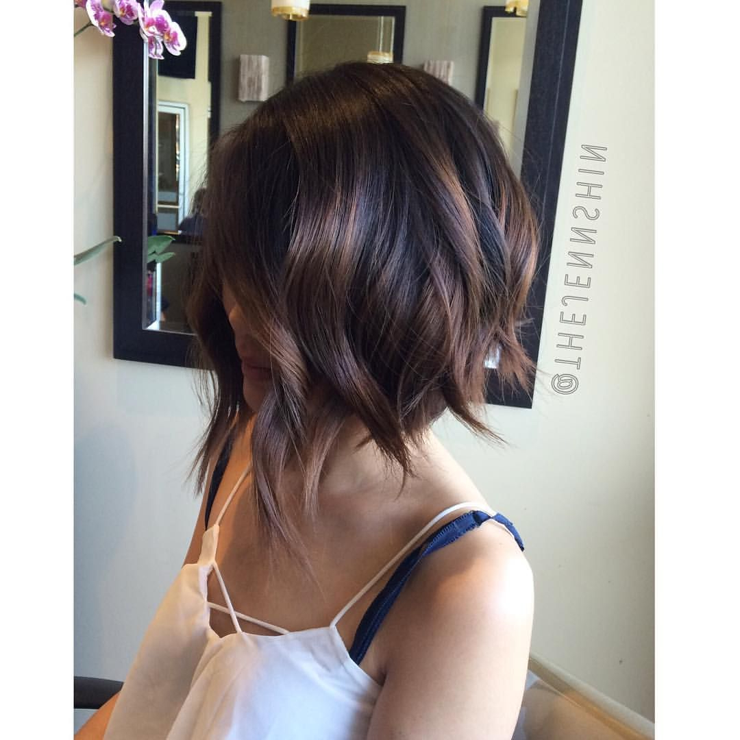 50 Most Delightful Short Wavy Hairstyles | Brunette Bob, Brunettes Intended For Edgy Brunette Bob Hairstyles With Glossy Waves (View 15 of 25)