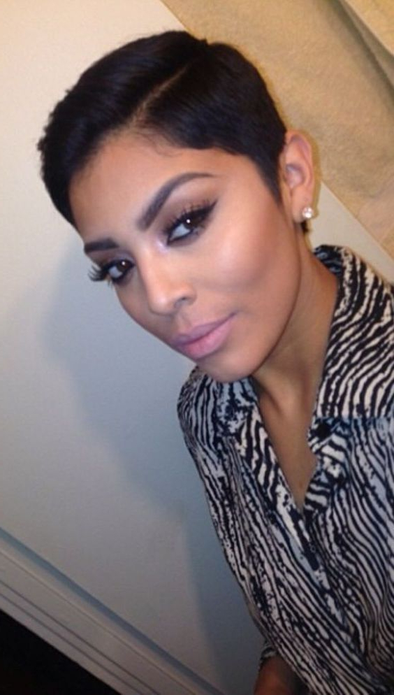 50 Stylish Short Hairstyles For Black Women Intended For Short Haircuts With Side Part (View 8 of 25)