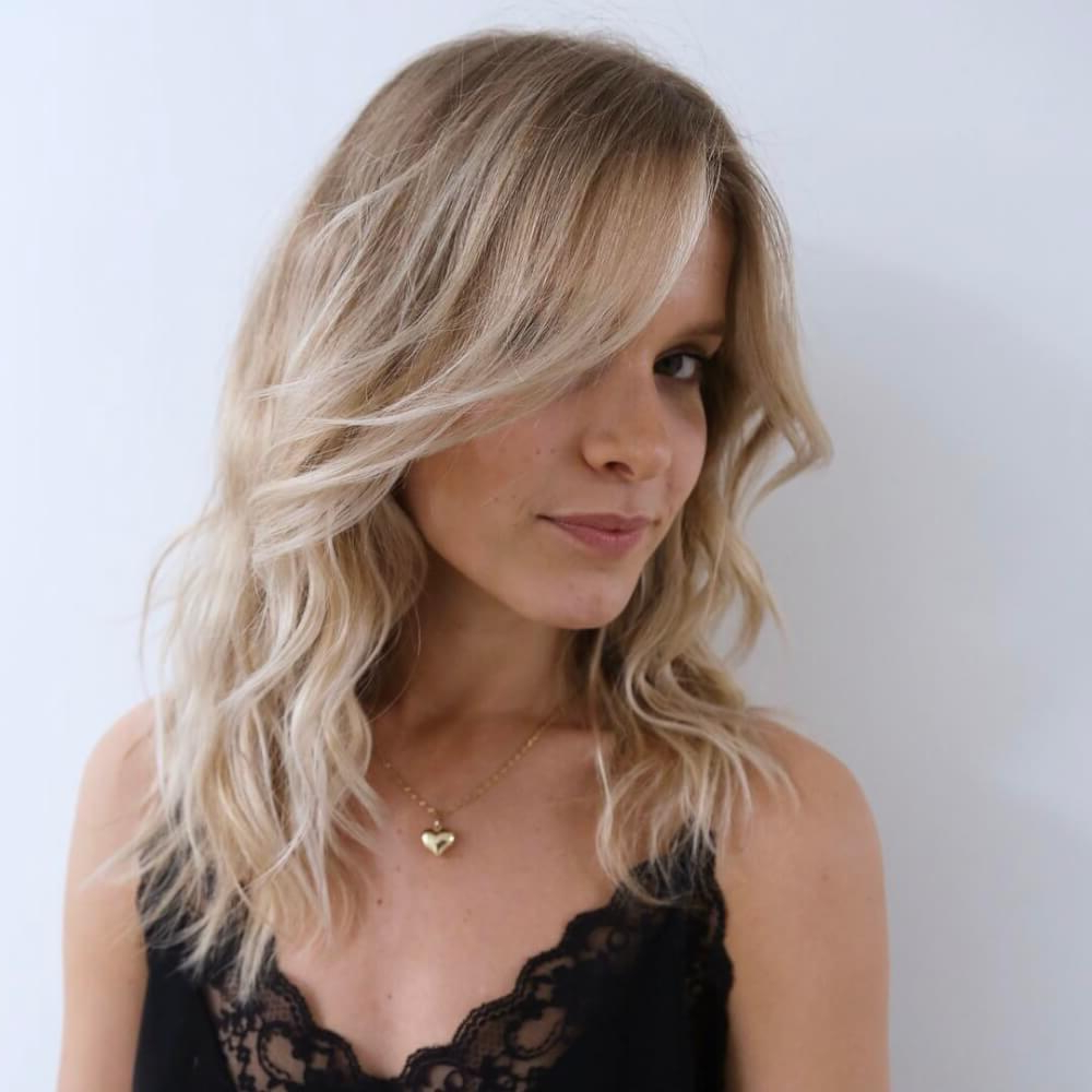 51 Stunning Medium Layered Haircuts (Updated For 2018) Pertaining To Short Hairstyles With Feathered Sides (View 19 of 25)