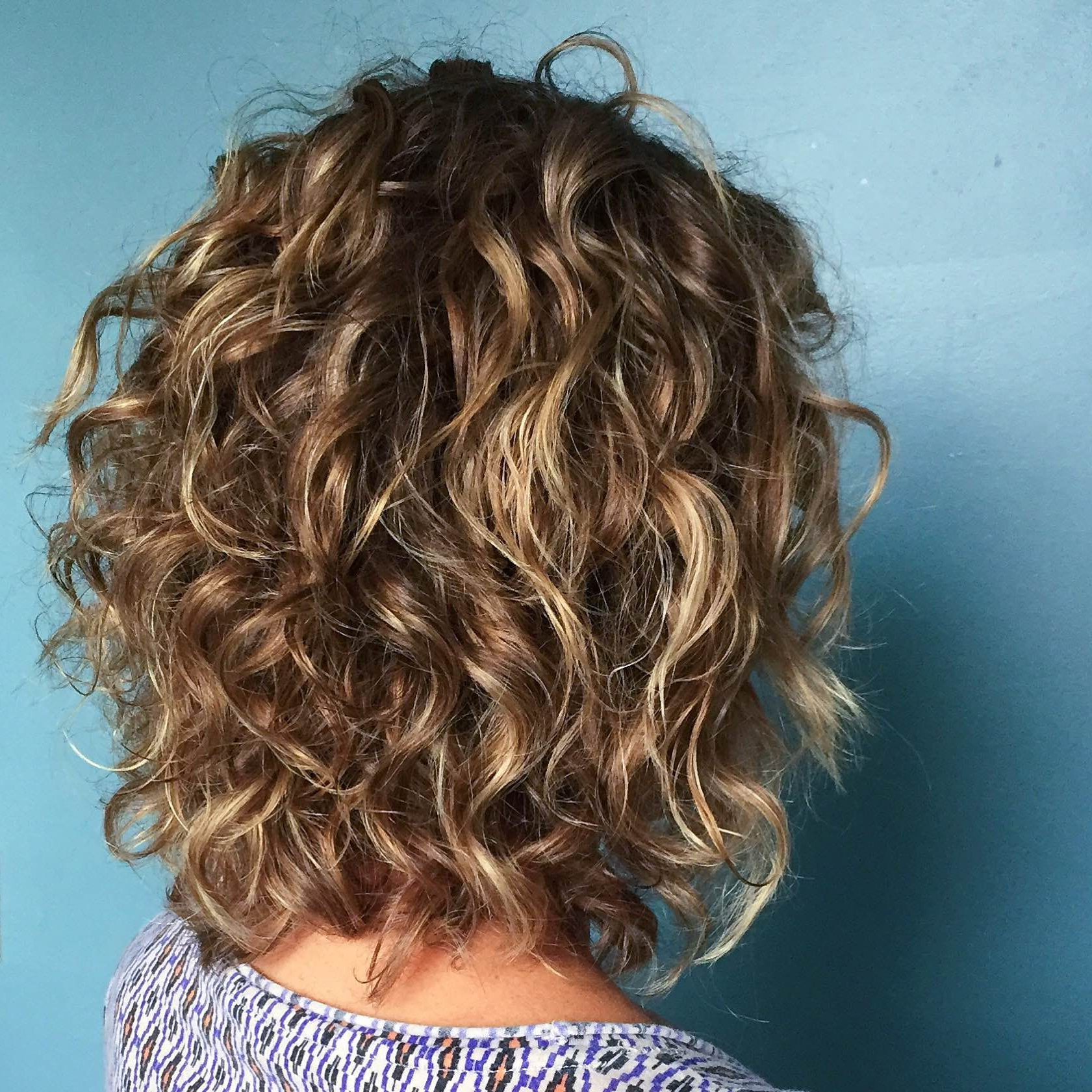 54 Nice Cute Curly Hairstyles For Medium Hair 2017 | Curly Hair Pertaining To Golden Brown Thick Curly Bob Hairstyles (View 5 of 25)