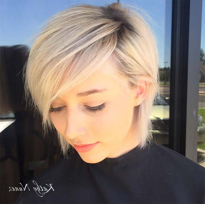 55 Incredible Short Bob Hairstyles & Haircuts With Bangs   Fashionisers In Side Parted White Blonde Pixie Bob Haircuts (View 14 of 25)
