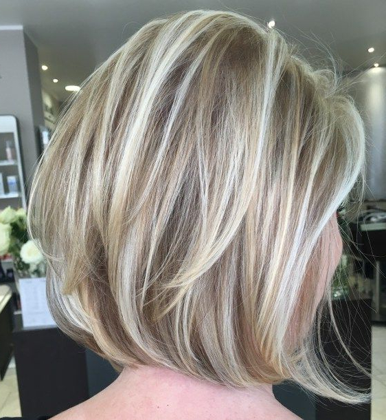 60 Layered Bob Styles: Modern Haircuts With Layers For Any For Dynamic Tousled Blonde Bob Hairstyles With Dark Underlayer (View 23 of 25)