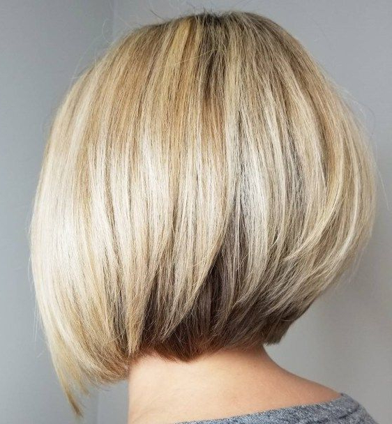 60 Layered Bob Styles: Modern Haircuts With Layers For Any In Dynamic Tousled Blonde Bob Hairstyles With Dark Underlayer (View 24 of 25)