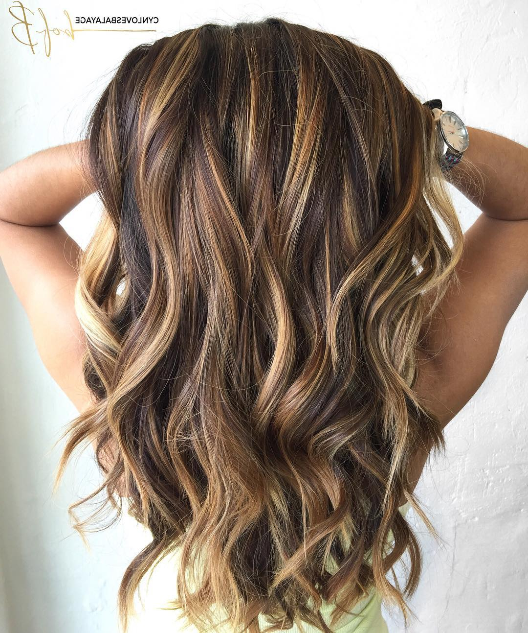 60 Looks With Caramel Highlights On Brown And Dark Brown Hair Within Angelic Blonde Balayage Bob Hairstyles With Curls (View 14 of 25)