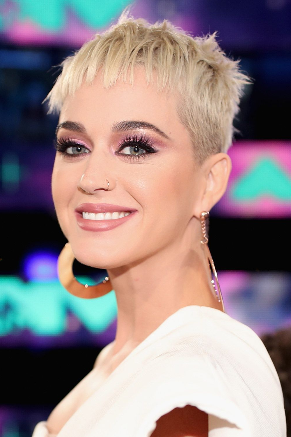 65 Best Short Hairstyles, Haircuts, And Short Hair Ideas For 2018 Regarding Short Hairstyles Swept Off The Face (Gallery 9 of 25)
