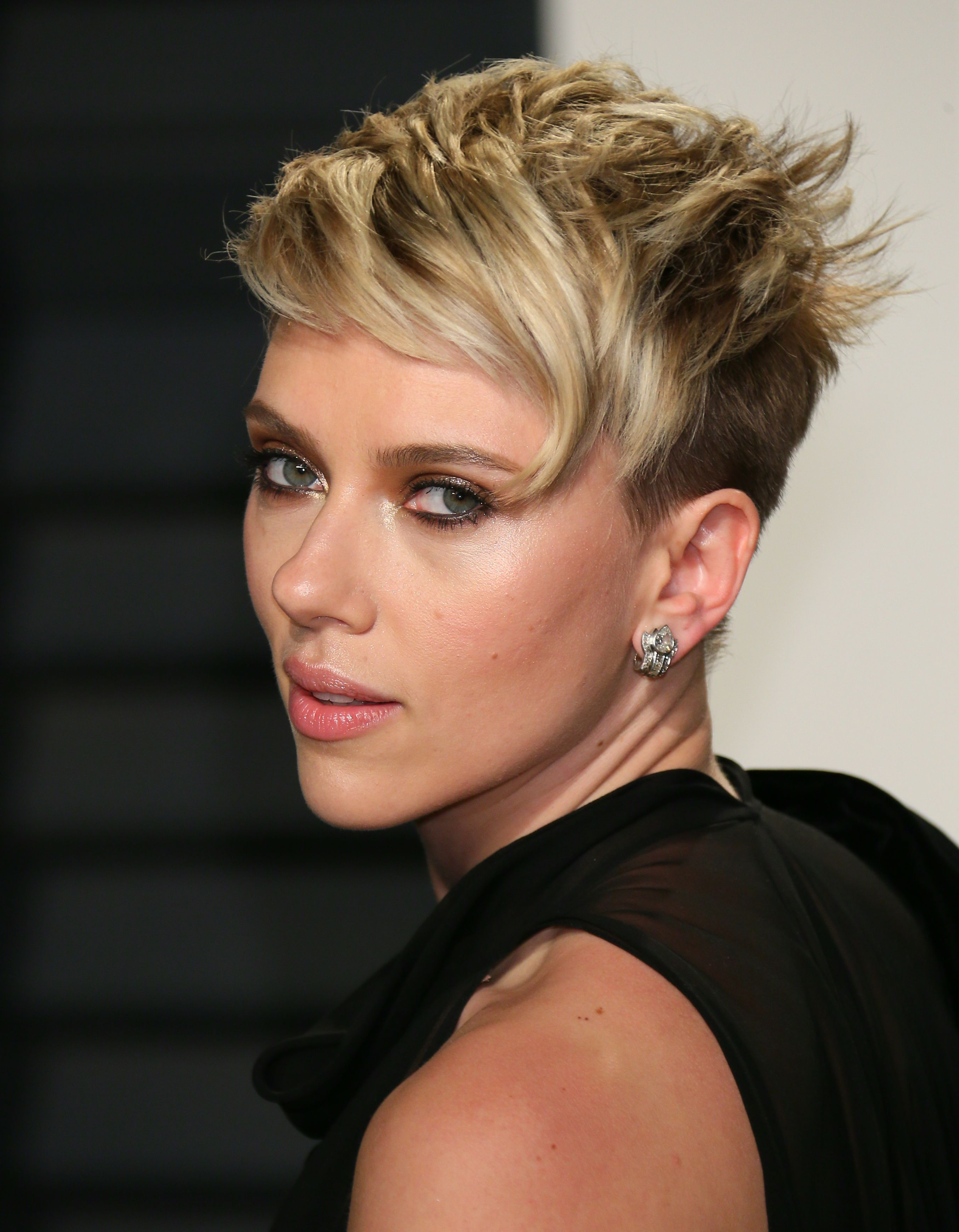 65 Best Short Hairstyles, Haircuts, And Short Hair Ideas For 2018 Throughout Short Haircuts For Celebrities (Gallery 22 of 25)
