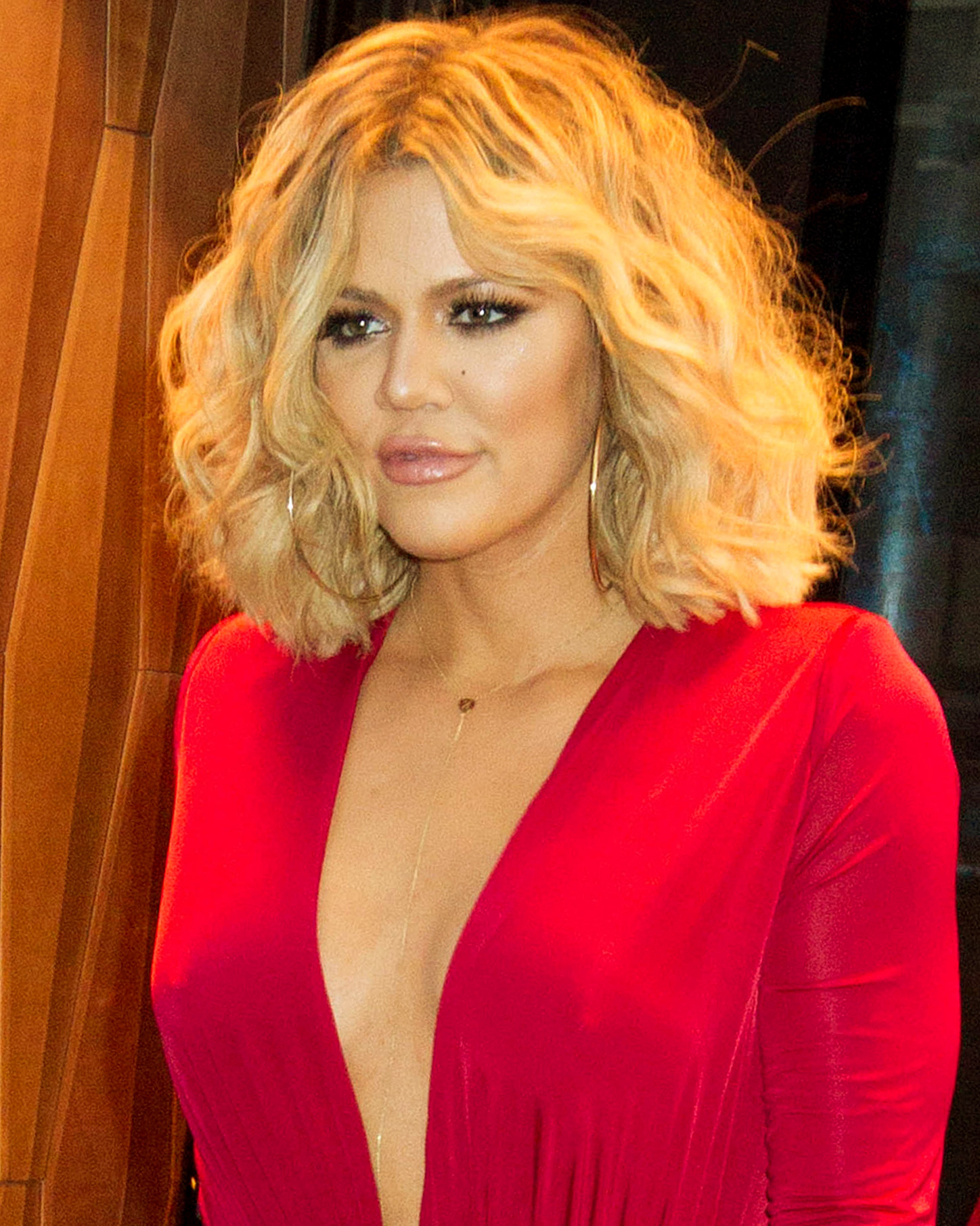 7 Ways To Style Your Bob, Brought To Youkhloé Kardashian Throughout Simple Short Hairstyles With Scrunched Curls (Gallery 19 of 25)