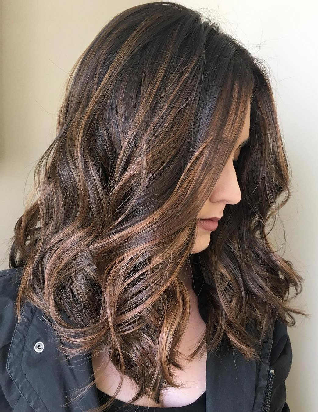70 Balayage Hair Color Ideas With Blonde, Brown And Caramel Highlights Pertaining To Curly Dark Brown Bob Hairstyles With Partial Balayage (Gallery 6 of 25)