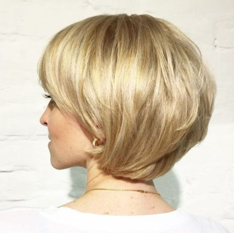70 Cute And Easy To Style Short Layered Hairstyles | Hairstyles With Regard To Pixie Bob Hairstyles With Golden Blonde Feathers (View 10 of 25)