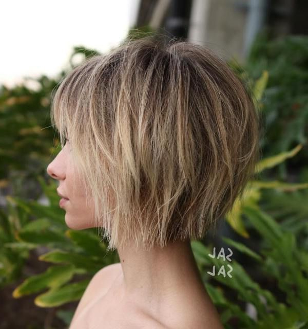 70 Cute And Easy To Style Short Layered Hairstyles | Repicados Regarding Short Crisp Bronde Bob Haircuts (Gallery 4 of 25)