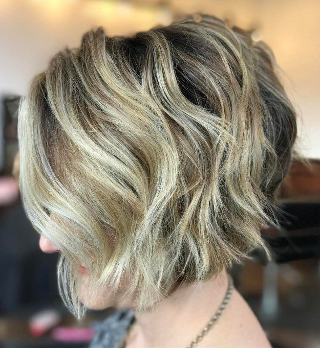 70 Cute And Easy To Style Short Layered Hairstyles | Short Wavy In Short Wavy Blonde Balayage Bob Hairstyles (View 1 of 25)