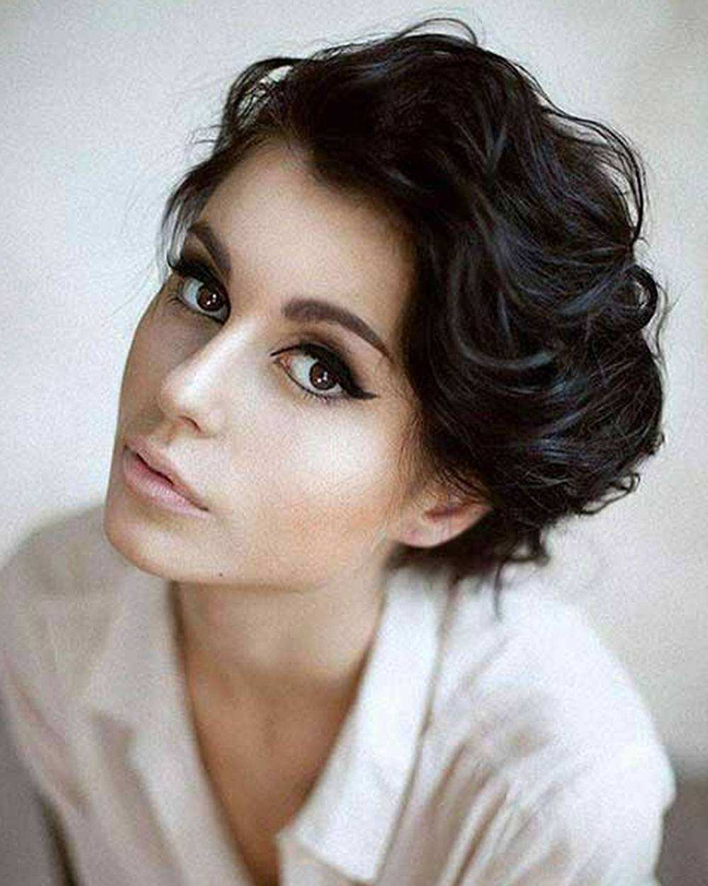 70 Short Hairstyles For Curly Hair – Mens Hairstyle Inspiration Throughout Short Hairstyles For Ladies With Curly Hair (Gallery 8 of 25)