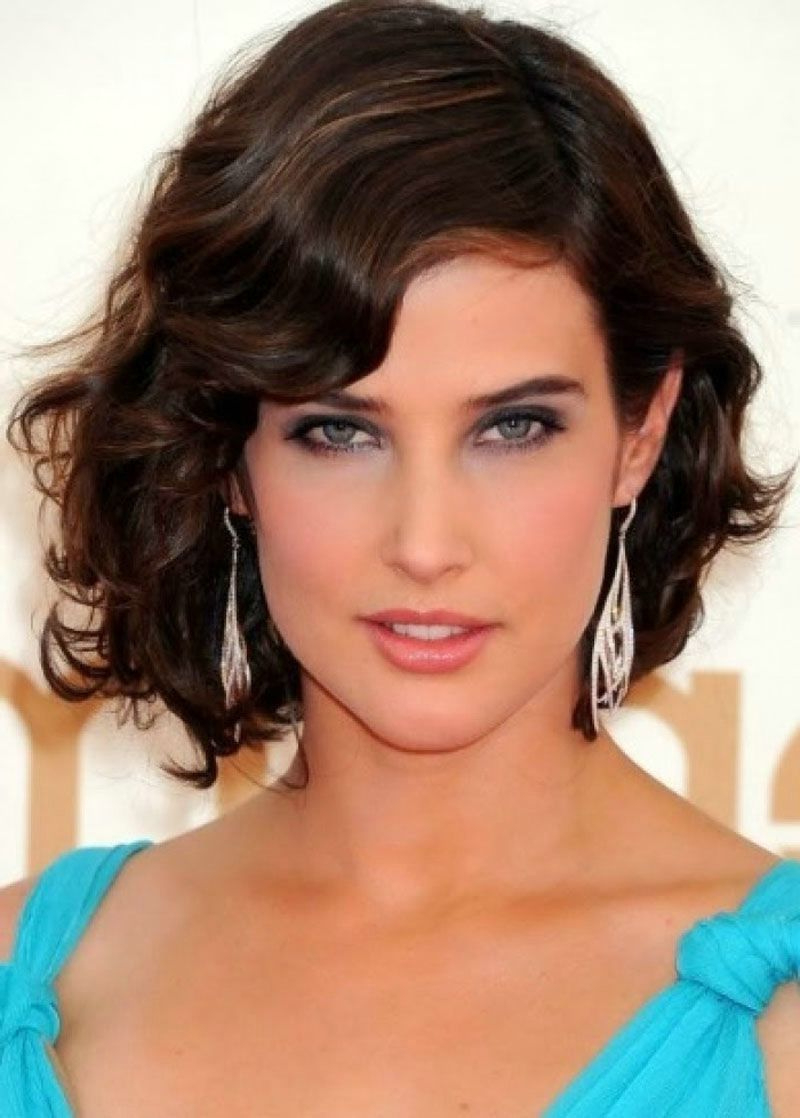 77 Short Hairstyles For Square Faces And Thick Hair Lovely Medium Within Medium Short Haircuts For Thick Wavy Hair (View 22 of 25)