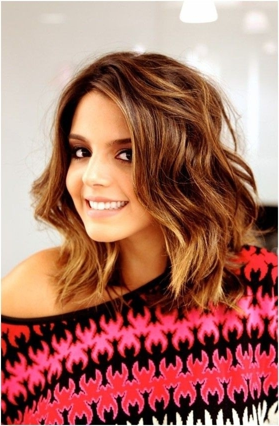 8 Easy Medium Wavy Hairstyle Ideas - Popular Haircuts inside Wavy Free-Flowing Messy Ponytail Hairstyles