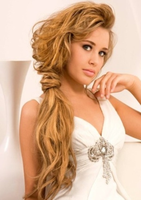 82 Of The Most Romantic And Inspiring Side Ponytails For Simple Messy Side Ponytail Hairstyles (Gallery 11 of 25)