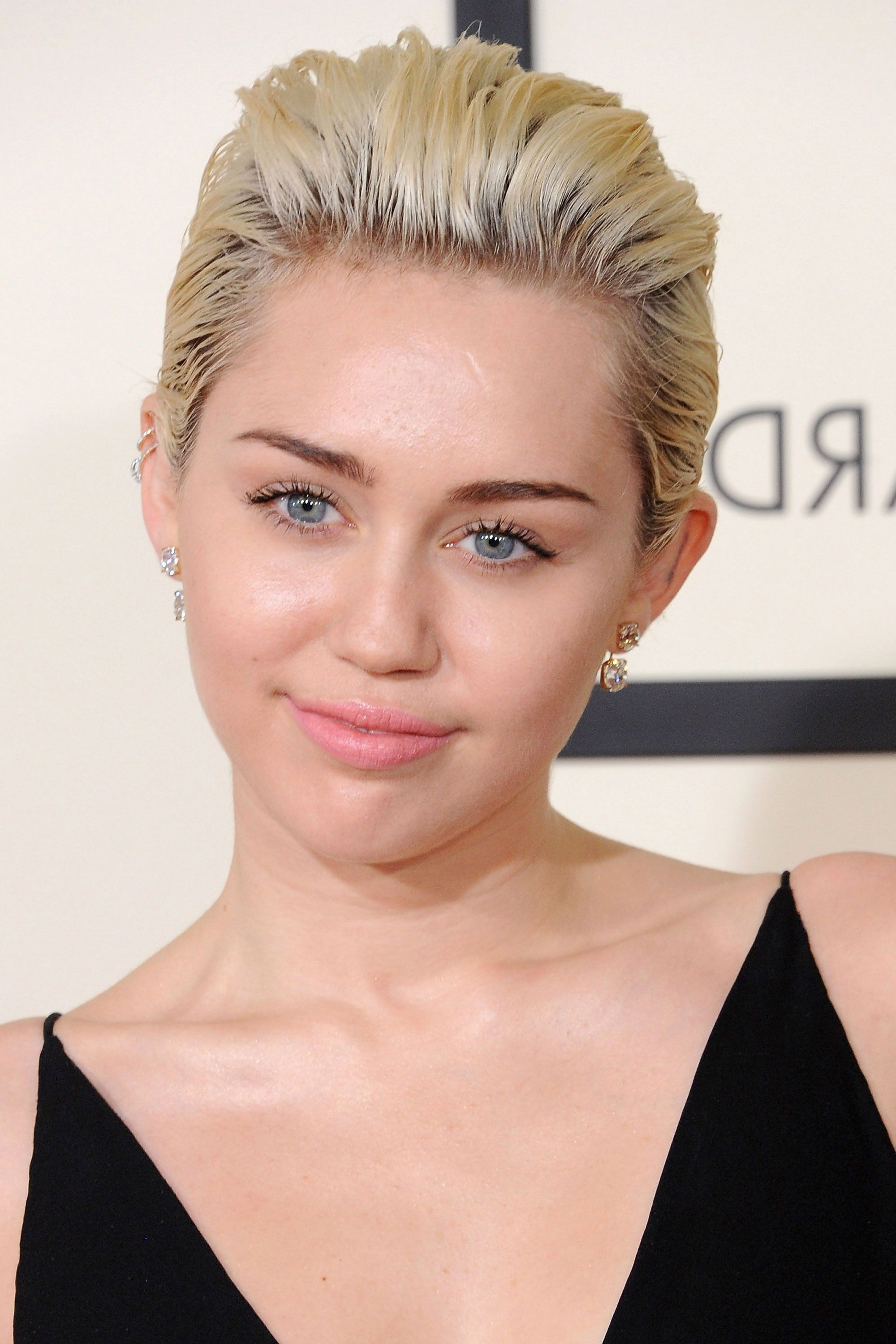 87 Cute Short Hairstyles & Haircuts – How To Style Short Hair In Miley Cyrus Short Hairstyles (View 11 of 25)