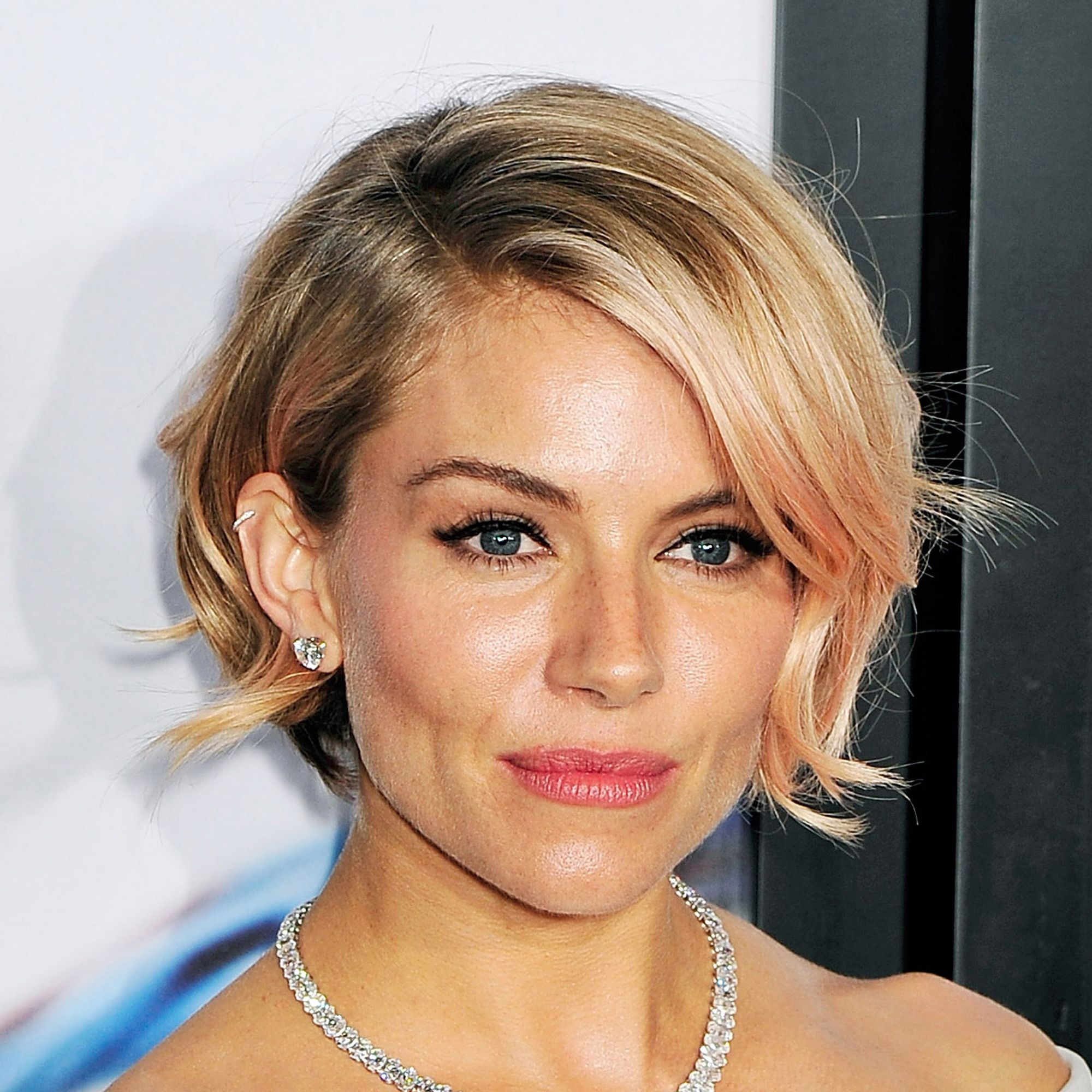 87 Cute Short Hairstyles & Haircuts – How To Style Short Hair With Short Medium Straight Hairstyles (Gallery 18 of 25)