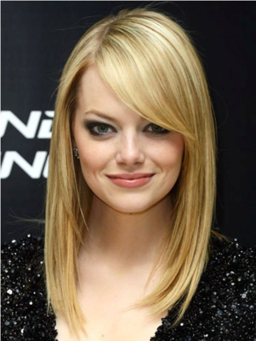Featured Photo of Short Haircuts With Side Fringe