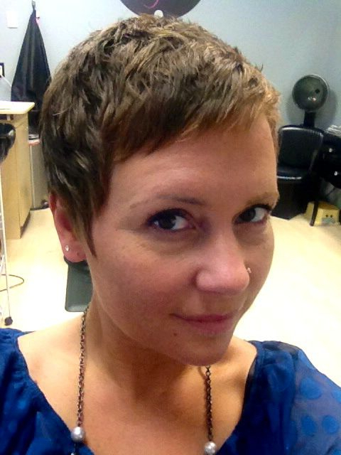 A Step By Step Guide To Growing Out A Pixie Cut Throughout Stylish Grown Out Pixie Hairstyles (View 16 of 25)