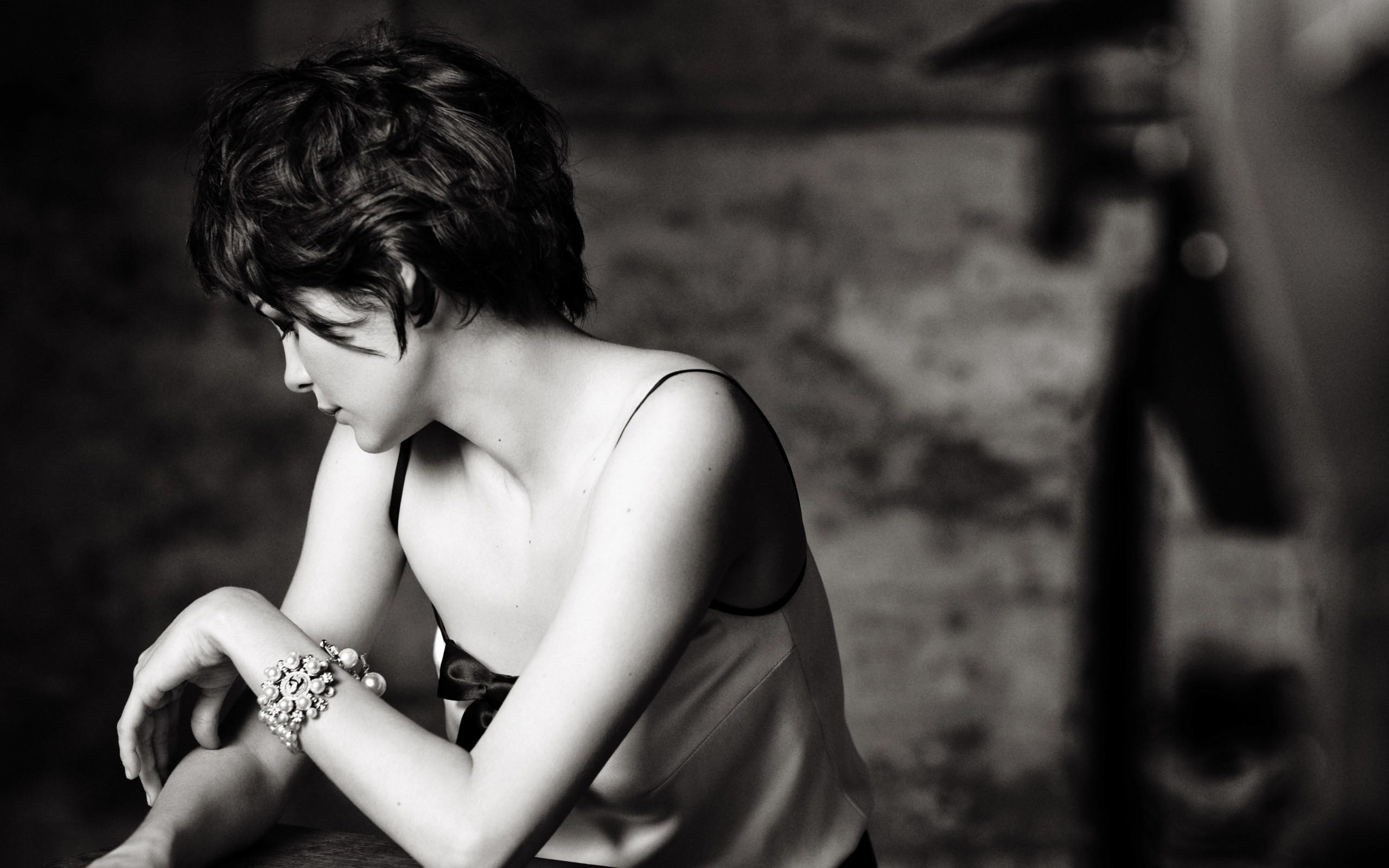 Actress, Monochrome, Audrey Tautou, Short Hair, Face, Girl In Audrey Tautou Short Haircuts (View 21 of 25)
