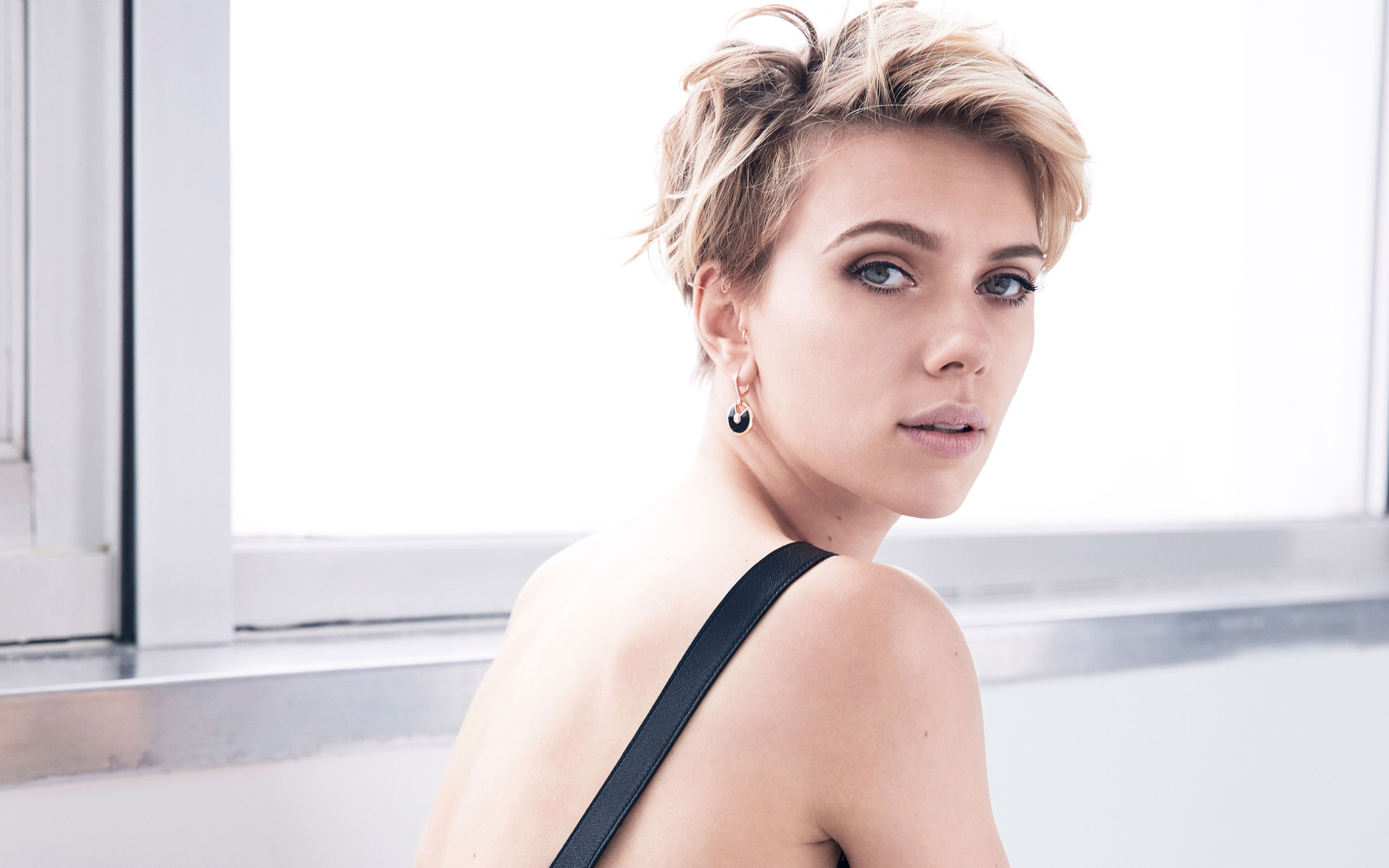 Actress Scarlett Johansson With A Short Haircut Wallpapers And Within Scarlett Johansson Short Haircuts (Gallery 22 of 25)