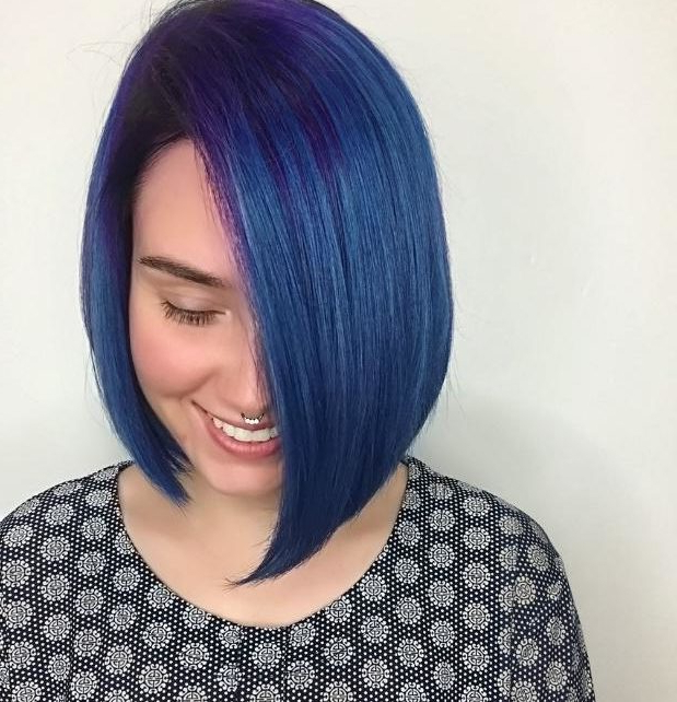 Amazing And Chic Asymmetrical Bob Cuts You Should Try This Year In Asymmetrical Unicorn Bob Haircuts (Gallery 20 of 25)