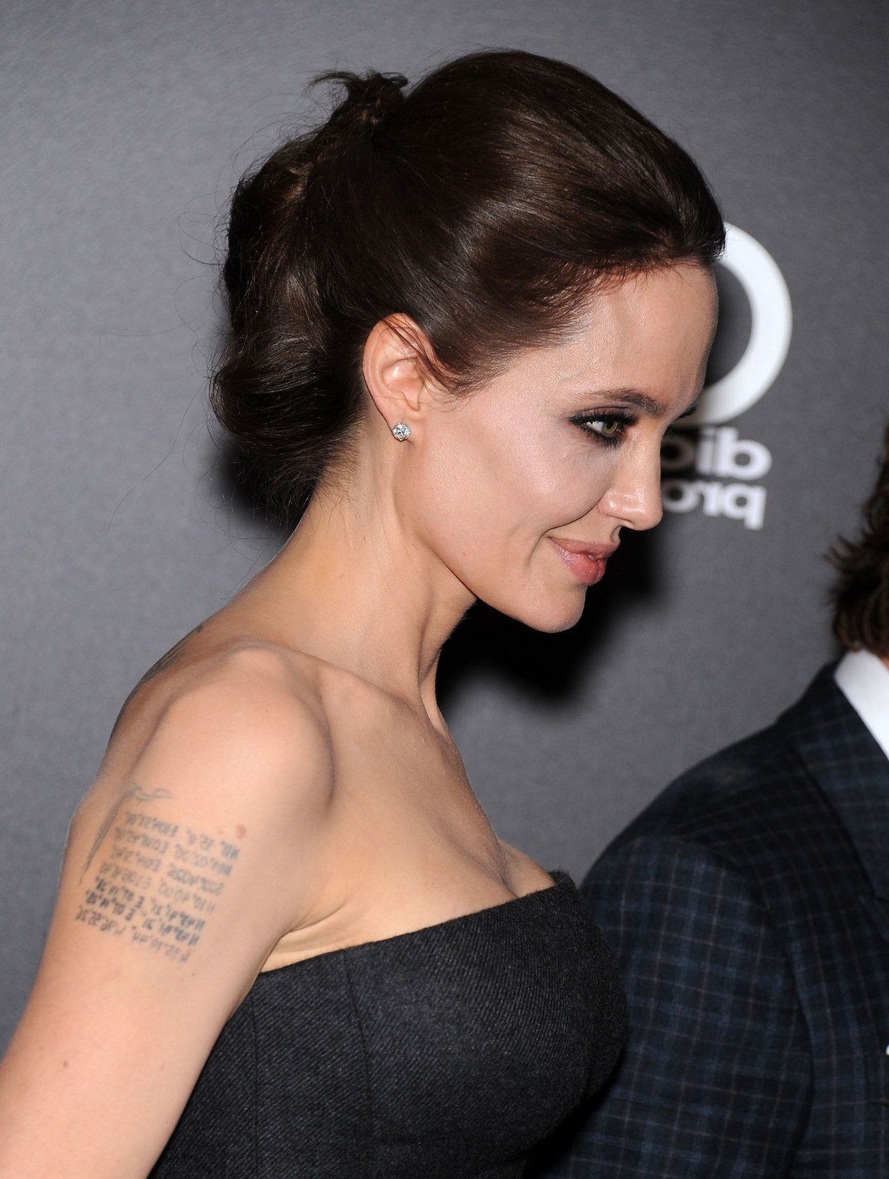 Angelina Jolie And Kate Middleton: Hairstyle Twins With Similar With Regard To Angelina Jolie Short Hairstyles (View 20 of 25)