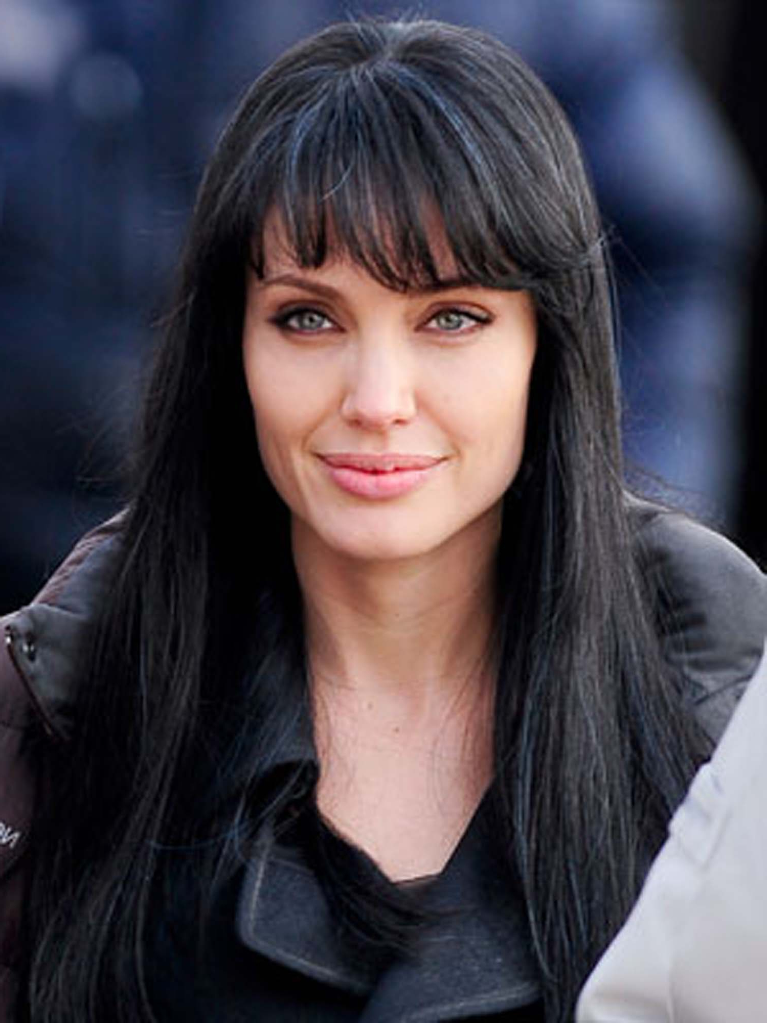Angelina Jolie Hair Evoloution – Styleicons Inside Angelina Jolie Short Hairstyles (View 22 of 25)