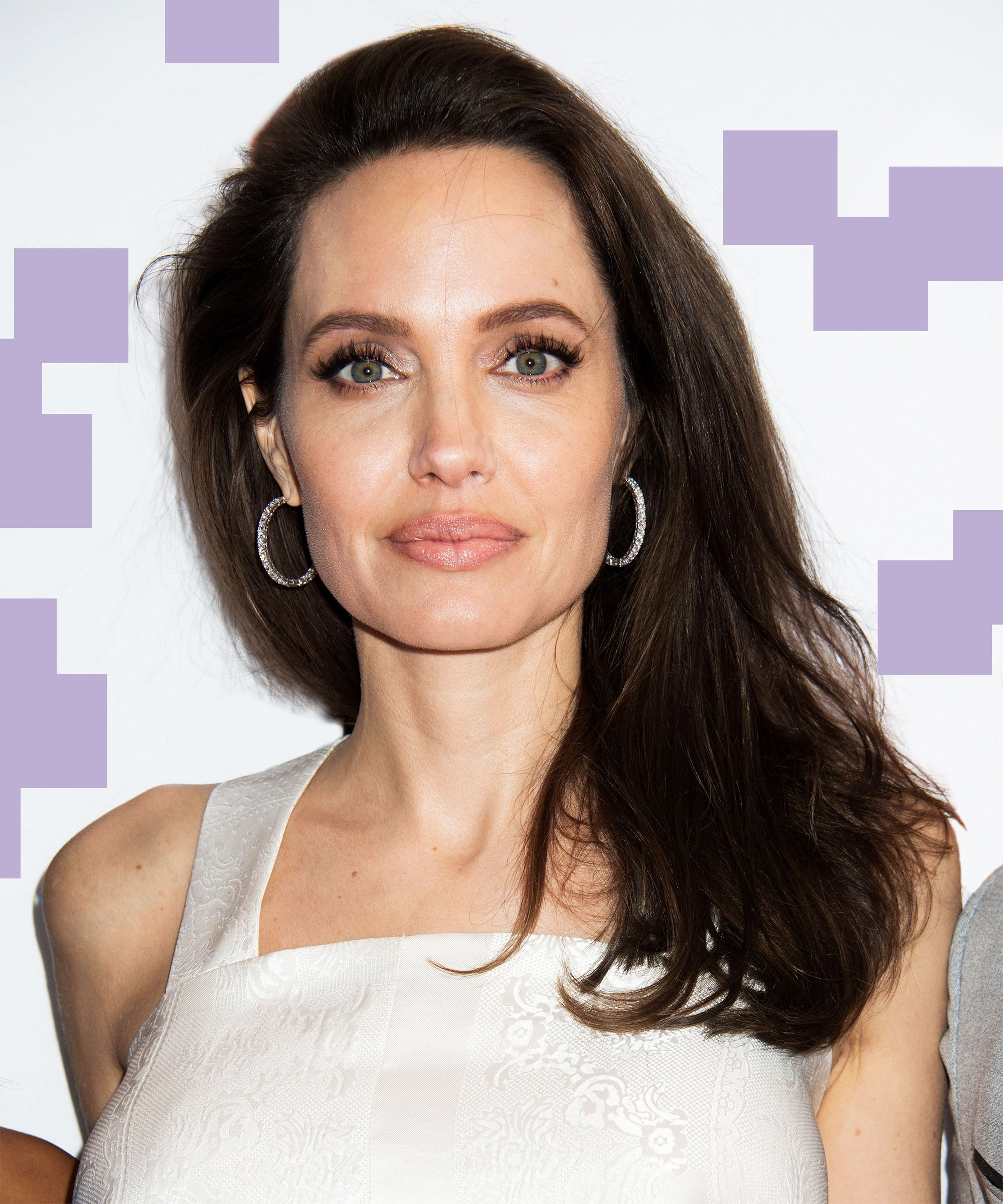 Angelina Jolie Haircut Blunt Trim Fall Trends For Angelina Jolie Short Hairstyles (Gallery 5 of 25)