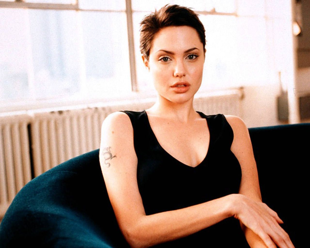 Angelina Jolie Short Hair After Gia. | Hairstyles | Pinterest Regarding Angelina Jolie Short Hairstyles (Gallery 1 of 25)
