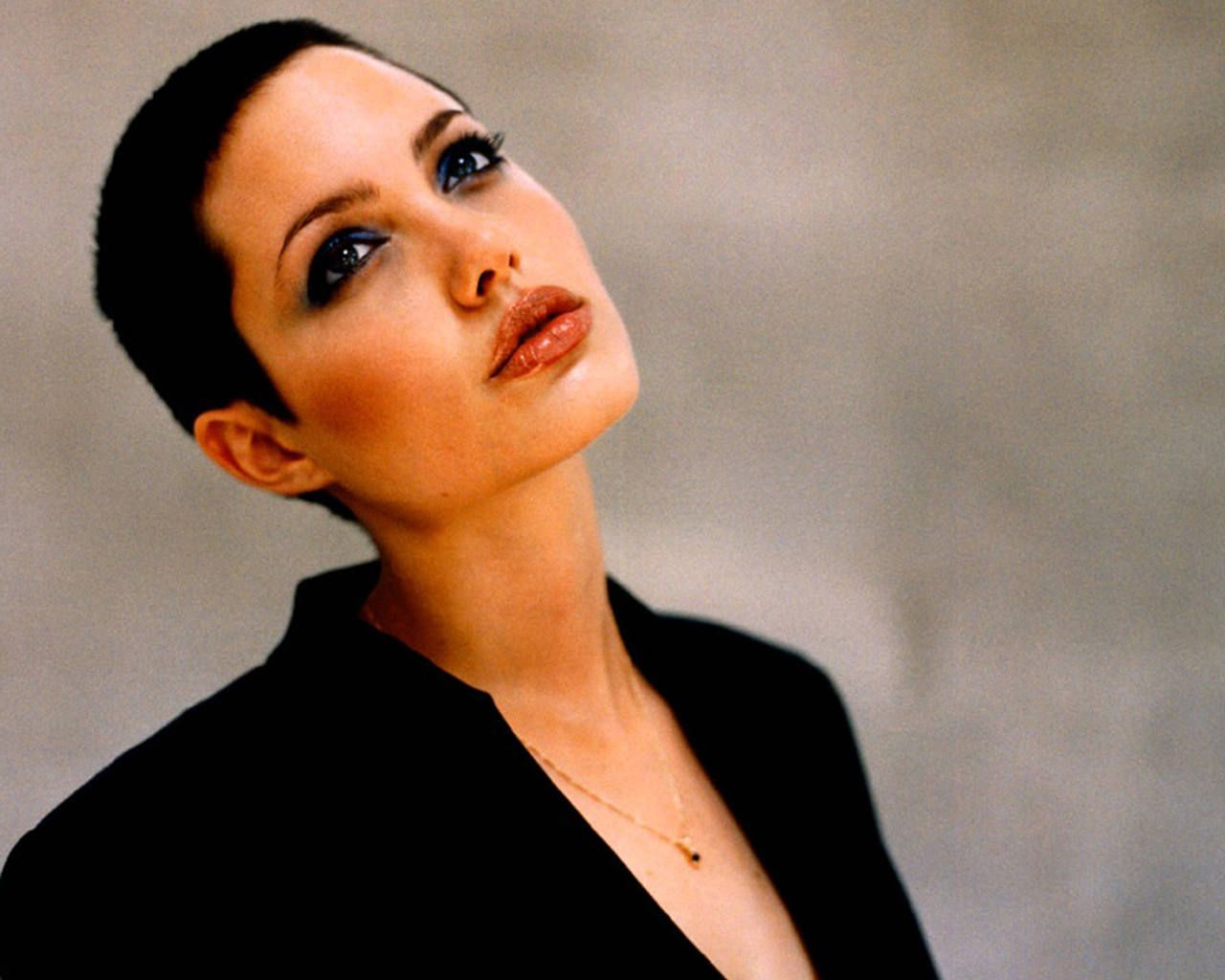 Angelina Jolie Short Hair After Gia (View 6 of 25)