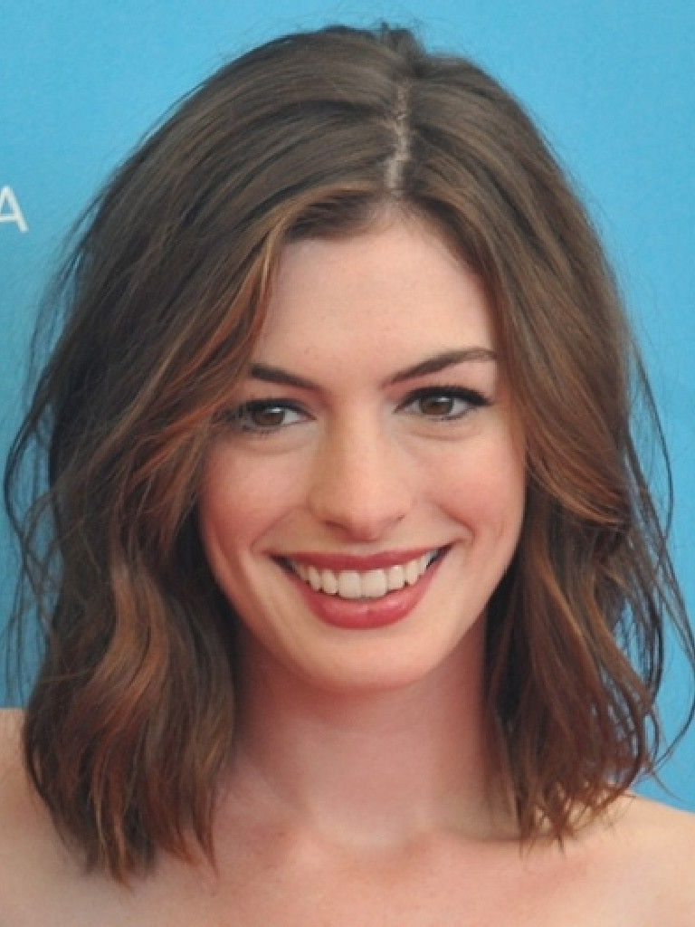 Anne Hathaway Hair. Cute Short Hair (View 6 of 25)