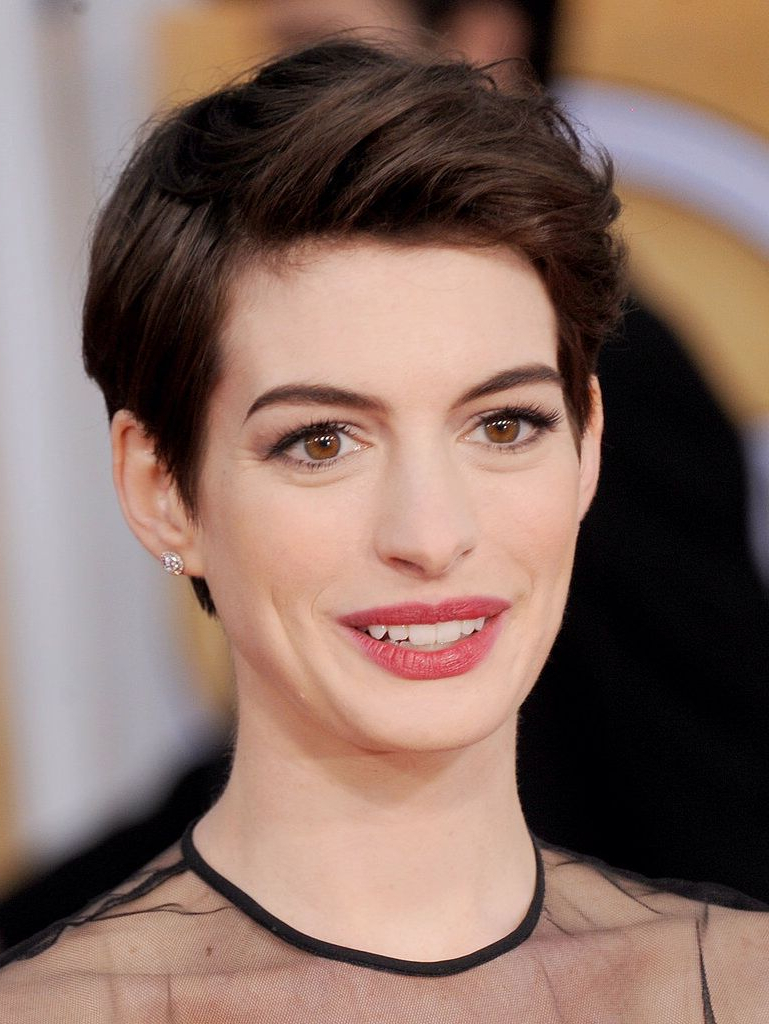 Anne Hathaway Short Hair | ???????? | Pinterest | Anne Hathaway With Regard To Anne Hathaway Short Haircuts (View 11 of 25)