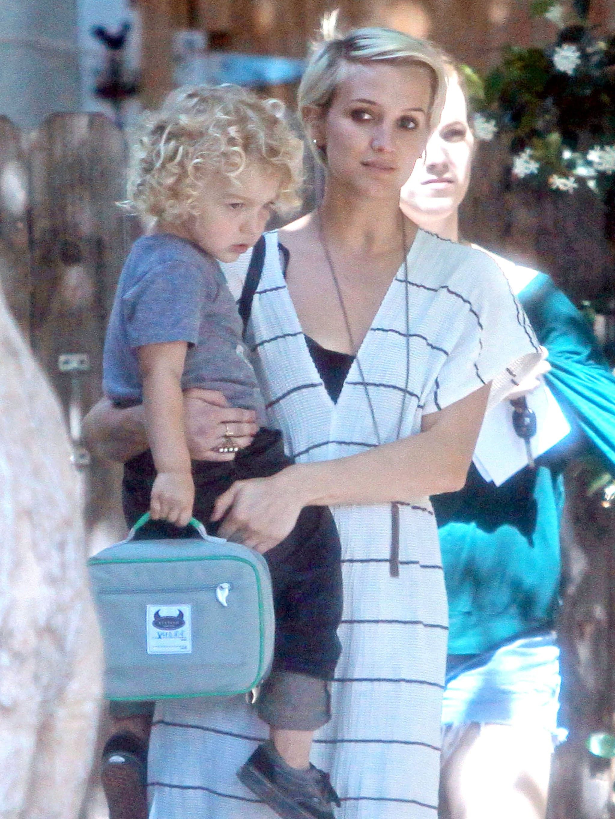 Ashlee Simpson Carries Bronx Wentz Home From A Long Day At Preschool Pertaining To Ashlee Simpson Short Haircuts (Gallery 2 of 25)
