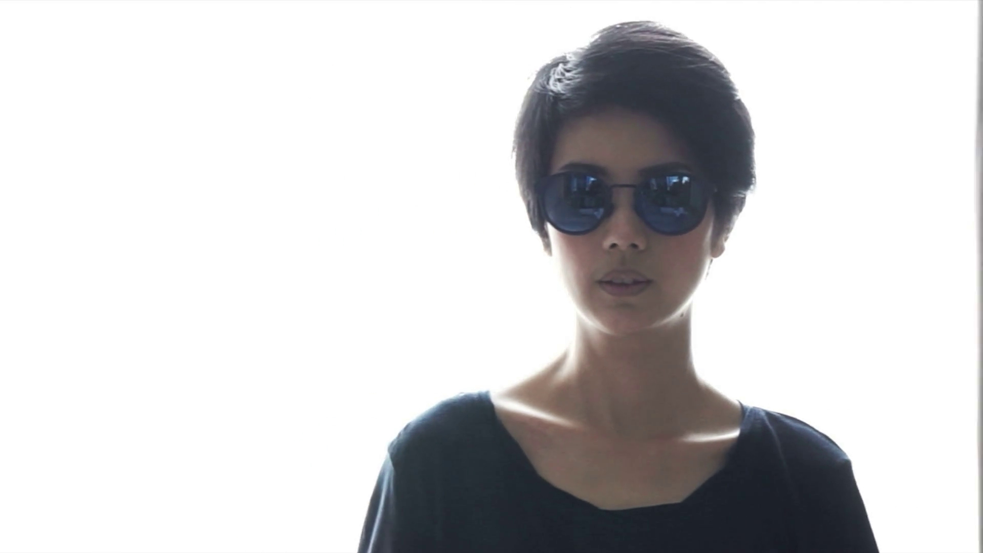 Asian Short Hair Cool Girl Wearing Sunglasses And Sleek Her Hair On For Short Hairstyles For Women Who Wear Glasses (Gallery 18 of 25)
