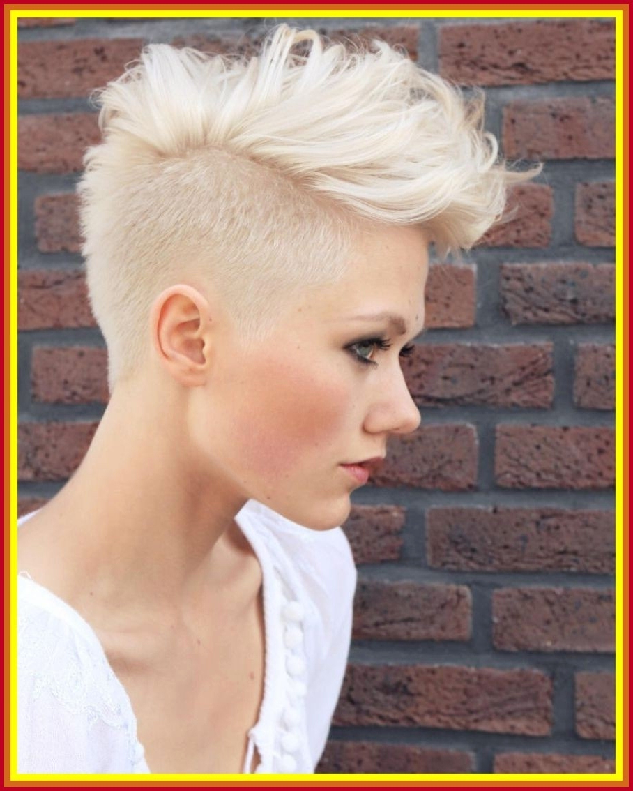 Astonishing Platinum Blonde Hairstyles In Platinum Blonde Short Hairstyles (View 14 of 25)