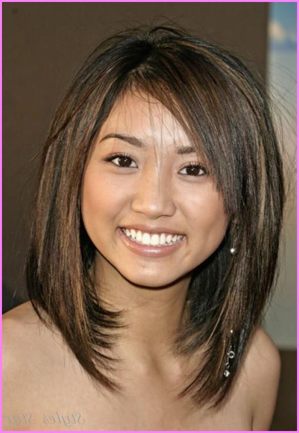 Awesome Medium Straight Haircuts For Round Faces | Me | Pinterest With Stunning Poker Straight Bob Hairstyles (Gallery 6 of 25)