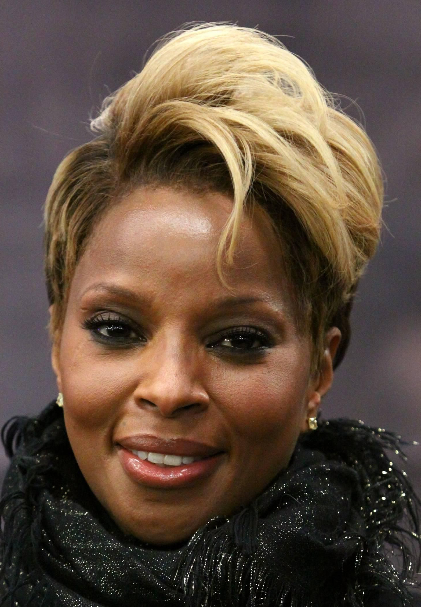 Beautiful Blonde Short Haircut Oval Face African American   New Look Within Short Hairstyles For Black Women With Oval Faces (View 3 of 25)